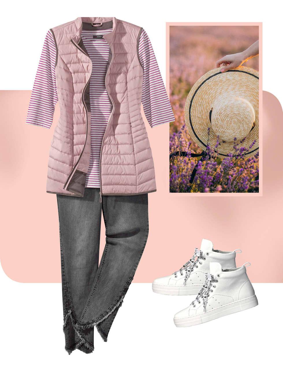 MIAMODA Grosse Grössen Kampagne strahlende Farben - Outfit in der Farbe lila