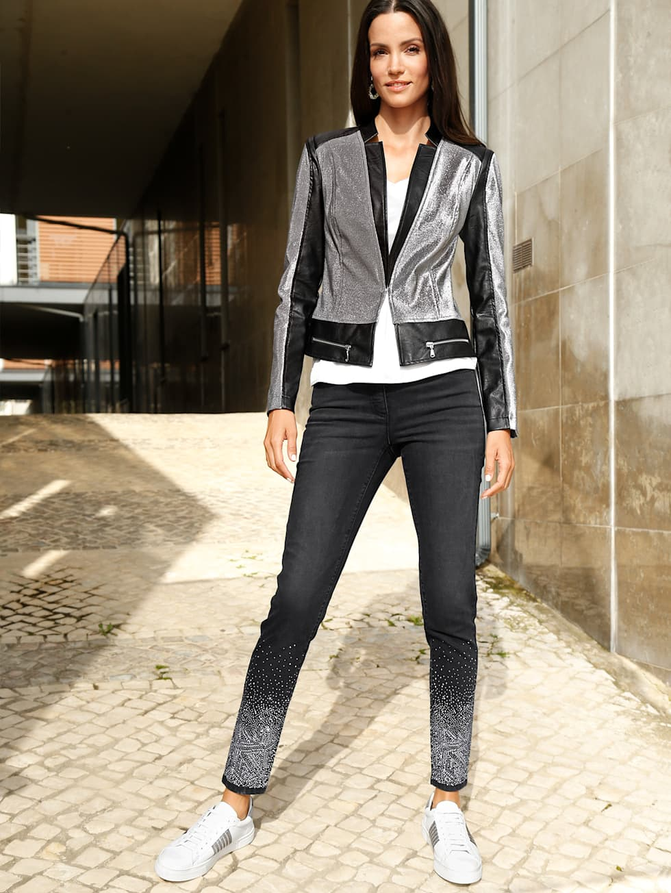 Home_HW21_KW42-44_Outfitteaser_Trendoutfit_Shiny Star