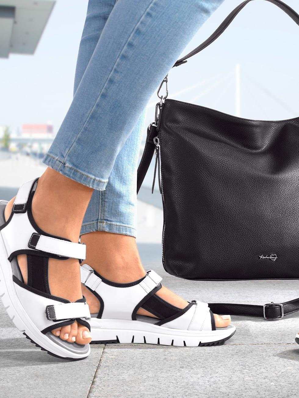 Outfit schwarz/weiß