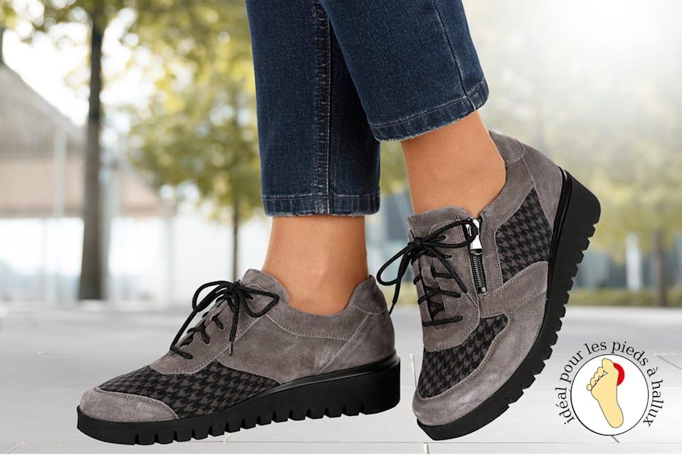 Vers les chaussures spécial hallux valgus