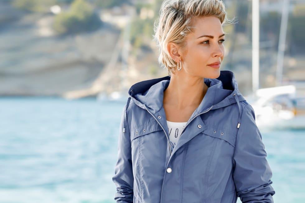 Zu den Jacken und Mäntel