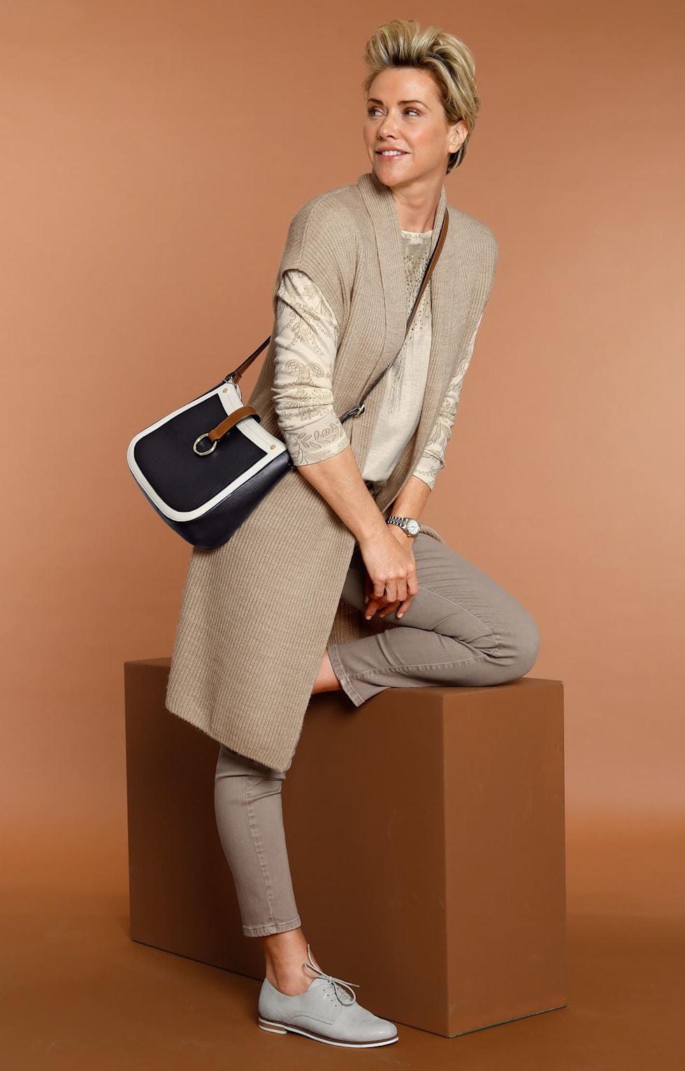 """Shop de outfits van MONA:""""Charmant en elegant."""""""