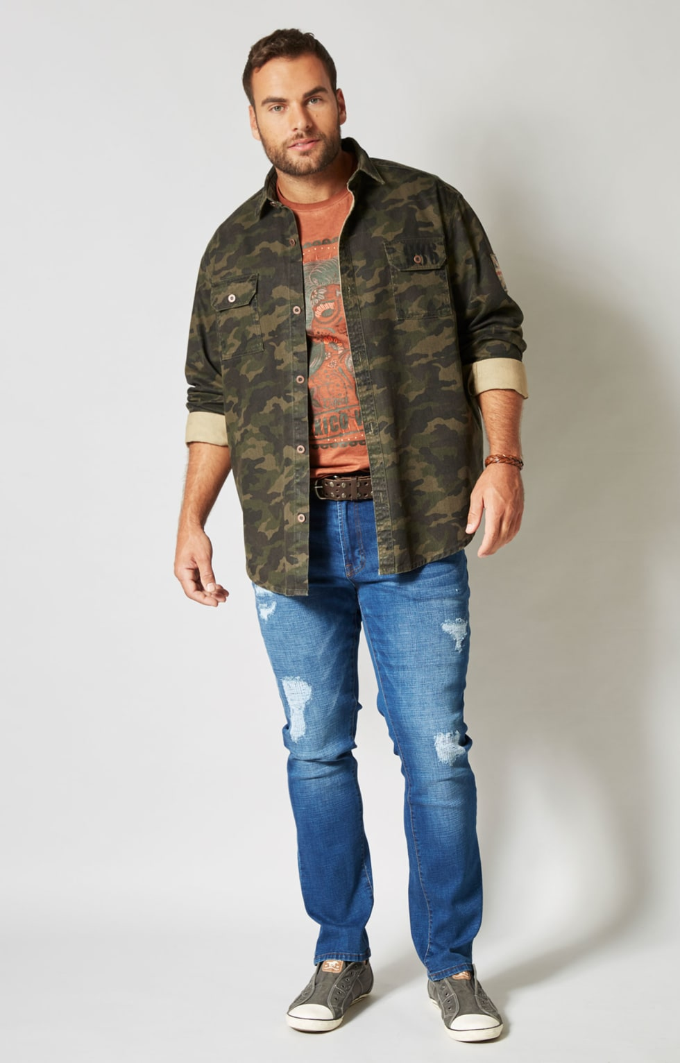 Herren Outfit Camouflage