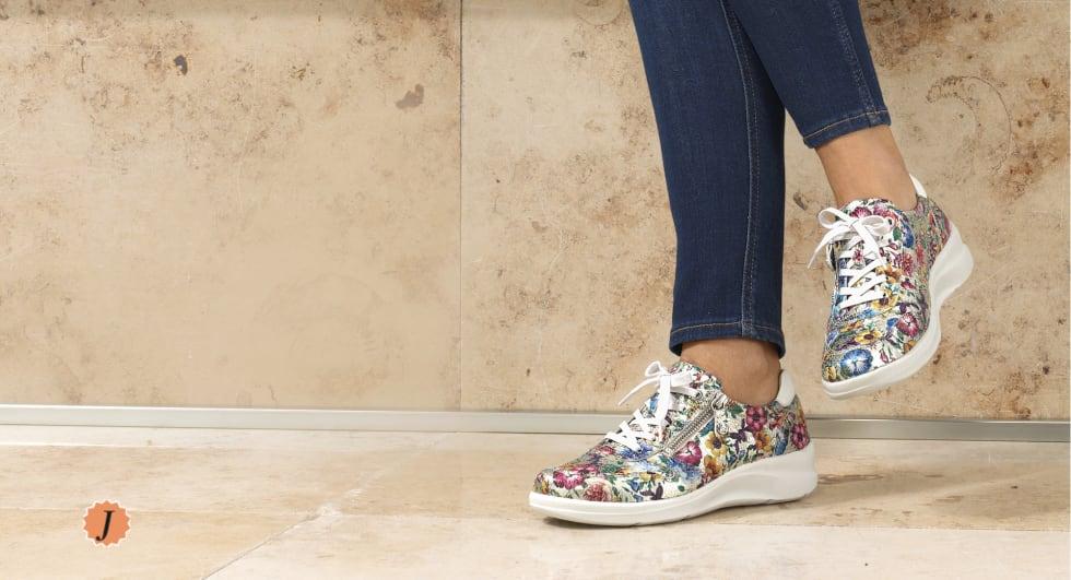 Schuhe in Bequemweite J für den kräftigen Fuß