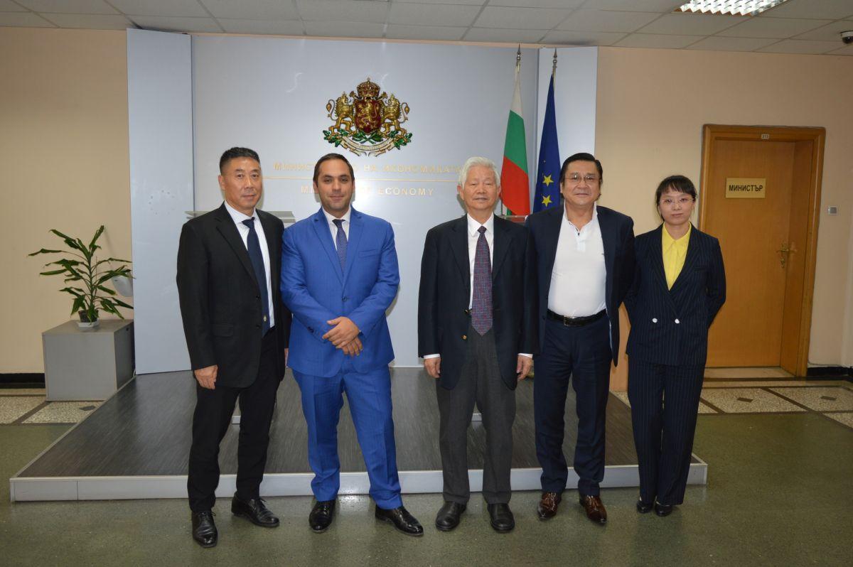 Първият сертифициран от ЕС китайски производител на електробуси проучва възможностите за инвестиции в България