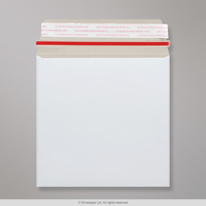 Sobre blanco de cartón de 125x125 mm