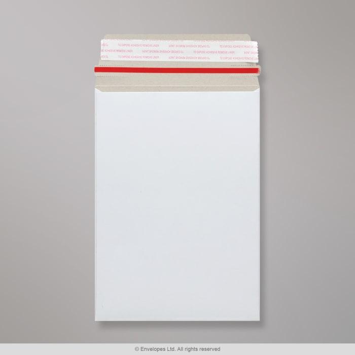 352x249 mm Busta in cartone bianca con striscia a strappo