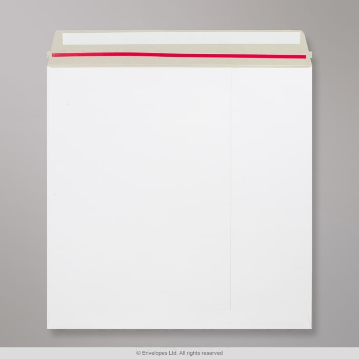 Sobre blanco de cartón de 340x340 mm