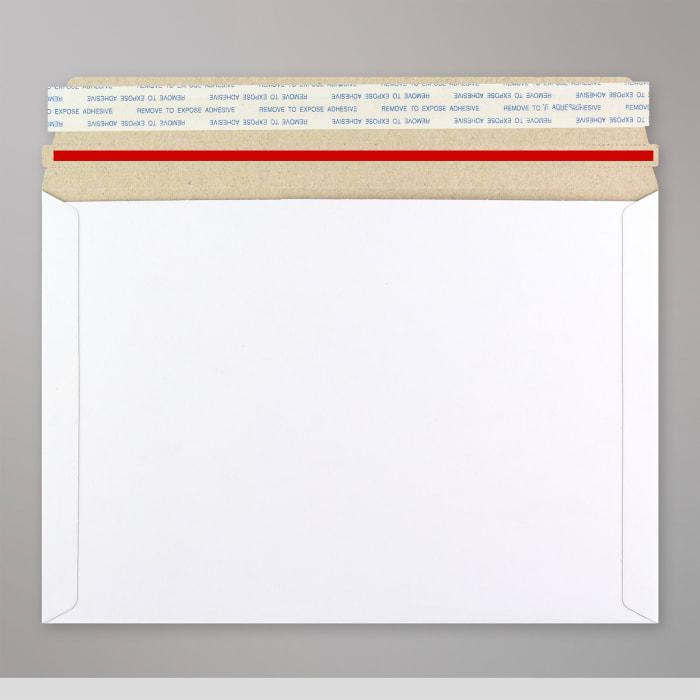 Sobre blanco de cartón de 162x229 mm (C5)