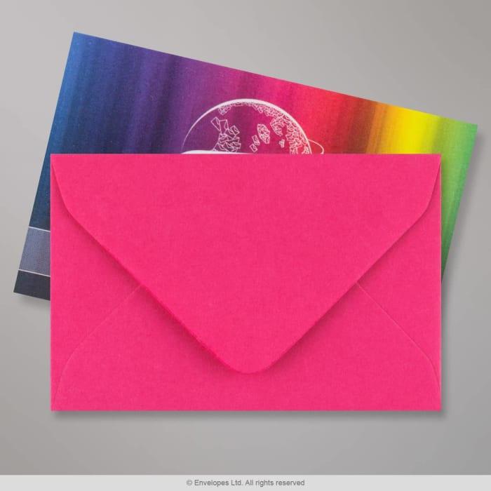 Fuschia-lyserød konvolut 62x94 mm