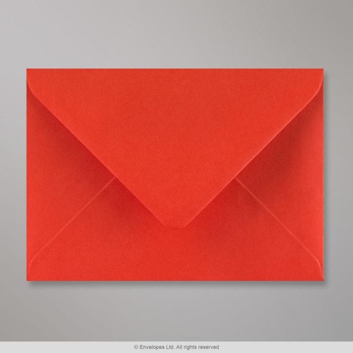 Unikonpunainen kirjekuori 125x175 mm