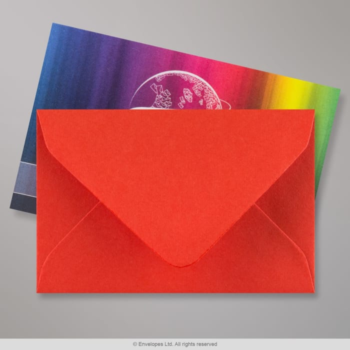 Unikonpunainen kirjekuori 62x94 mm
