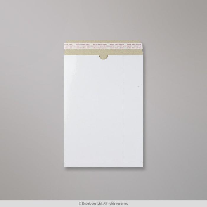 Sobre blanco de cartón de 324x229 mm (C4)