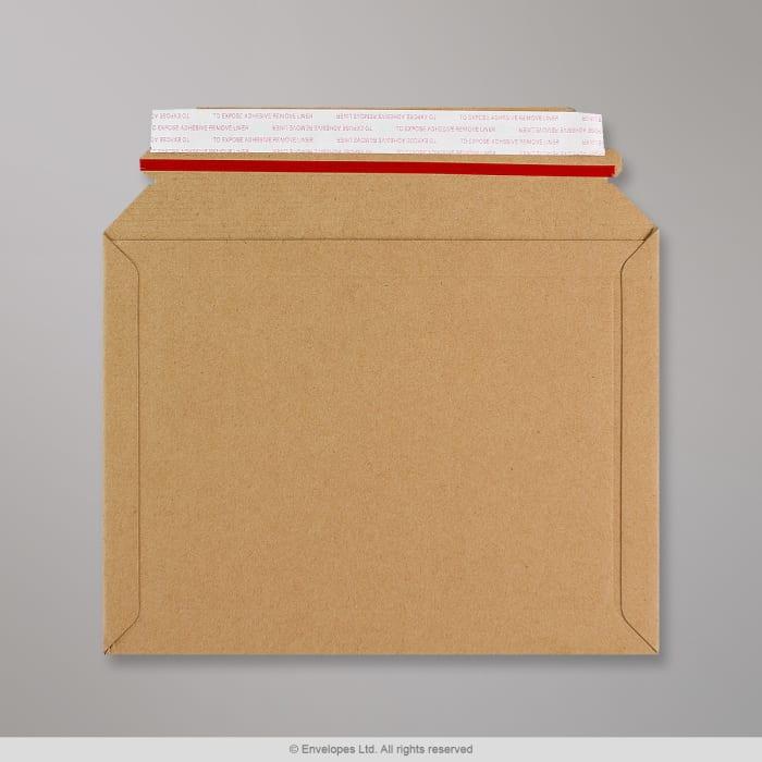 Kevyt kirjalle sopiva kuori mikroaaltopahvista 180x235 mm