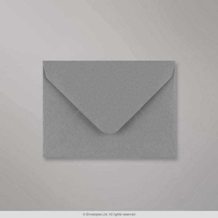 Dunkelgrauer Briefumschlag 82x113 mm (C7)
