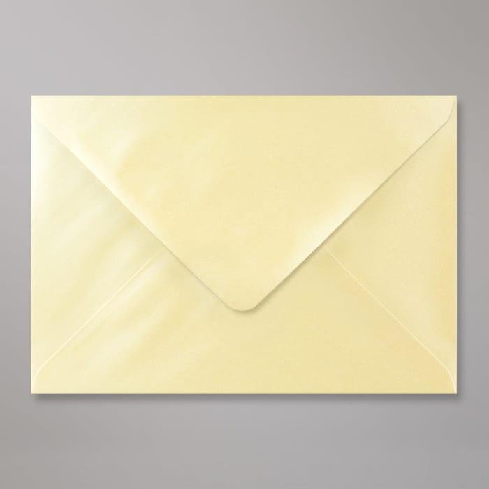 Champagnerfarbener Perlglanz-Briefumschlag 162x229 mm (C5)