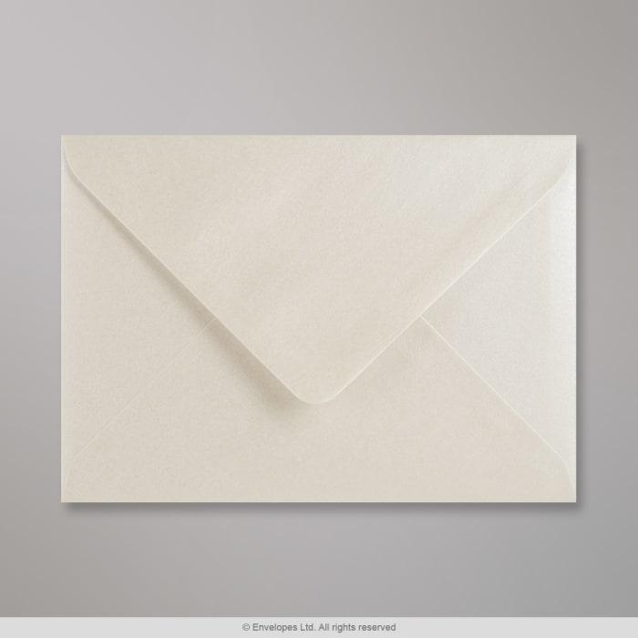 Ústřicově bílá lesklá obálka 125x175 mm
