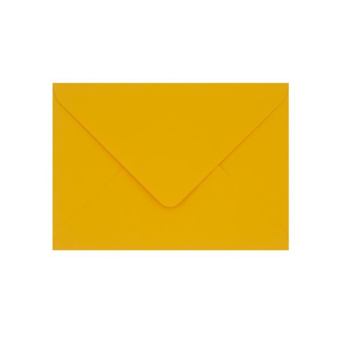 133x184 mm Clariana, tummankeltainen kirjekuori