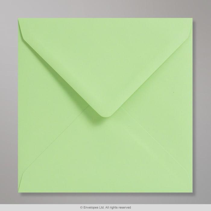 Sobre Clariana verde pastel de 155x155 mm