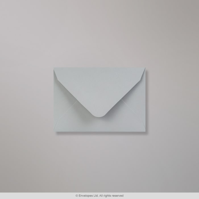 Pastelově šedá obálka Clariana 65x94 mm
