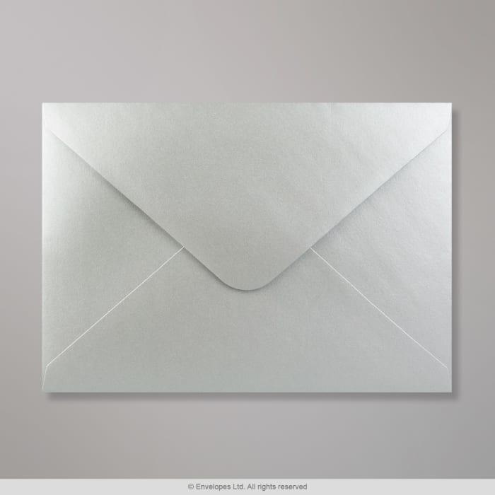 Hopeanvärinen kirjekuori 162x229mm (C5)