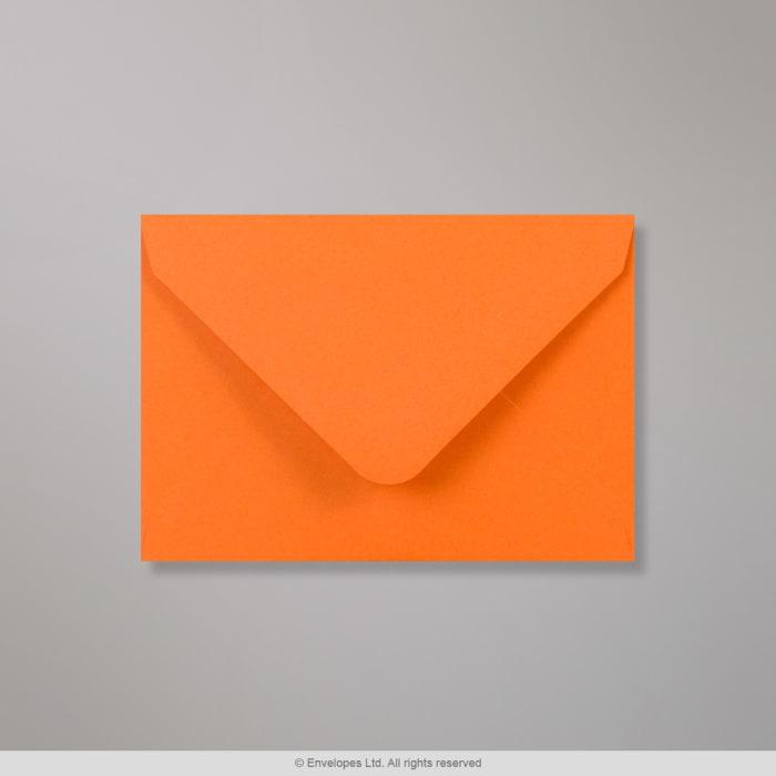 Clariana, oranssi kirjekuori 82x113 mm (C7)