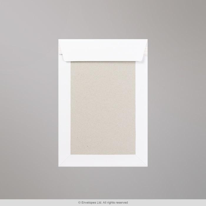 Sobre blanco con dorso de cartón de 254x178 mm