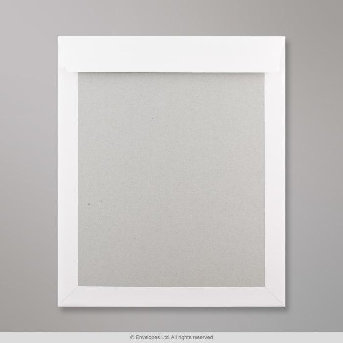 318x267 mm Biela obálka s kartónovou zadnou stenou