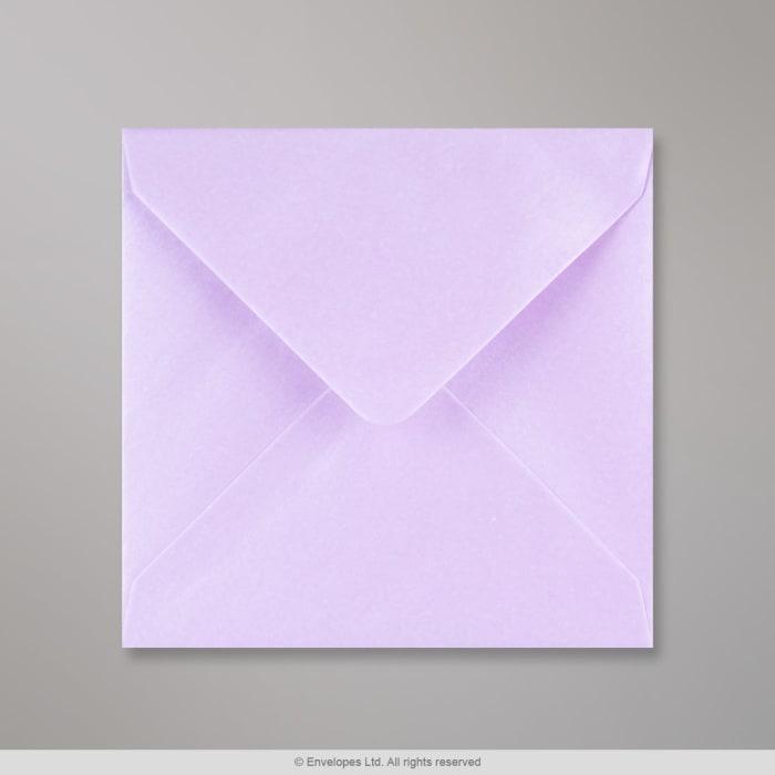 Liila, kiiltävä kirjekuori 130x130 mm