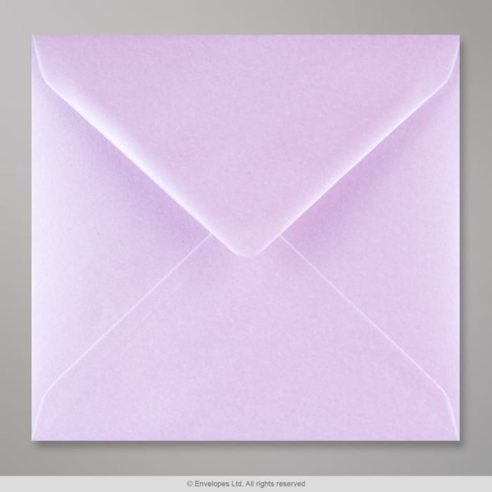 Liila, kiiltävä kirjekuori 155x155 mm