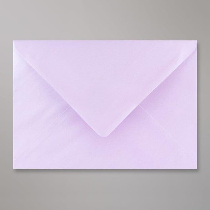 162x229 mm (C5) Lila glanzende envelop