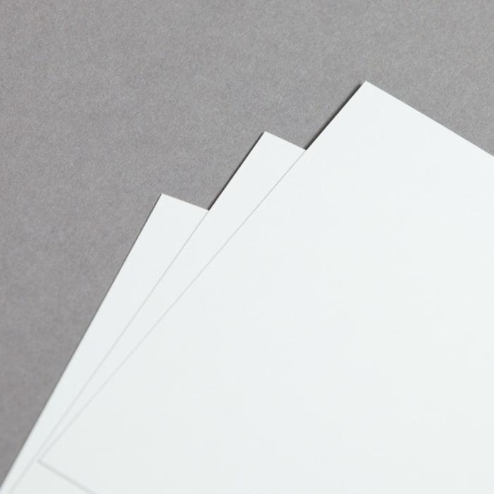 Tarjetas de papel opalina