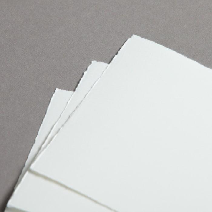 Jednoduché ručne vyrobené papierové karty DL