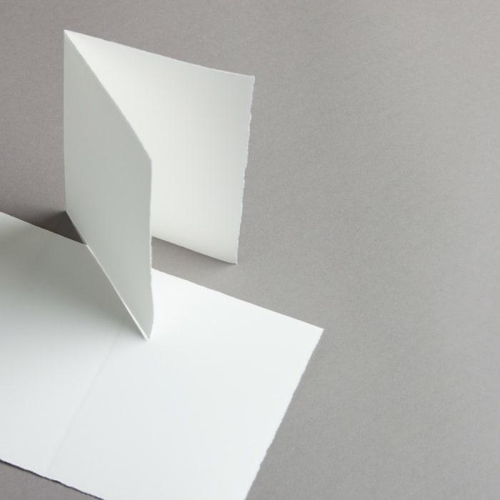 Tarjetas de papel artesanal A6 dobladas por la mitad, retrato