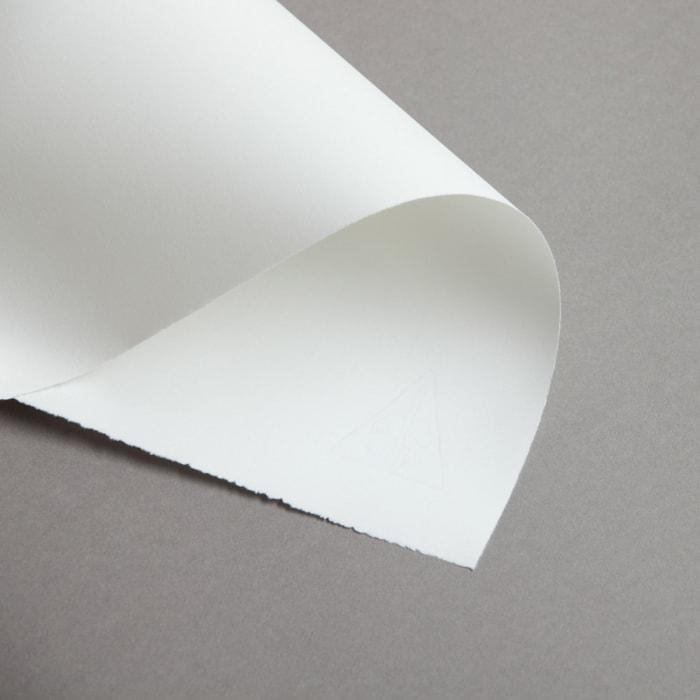 Papier czerpany półmatowy A4 95 g biały ze znakiem wodnym