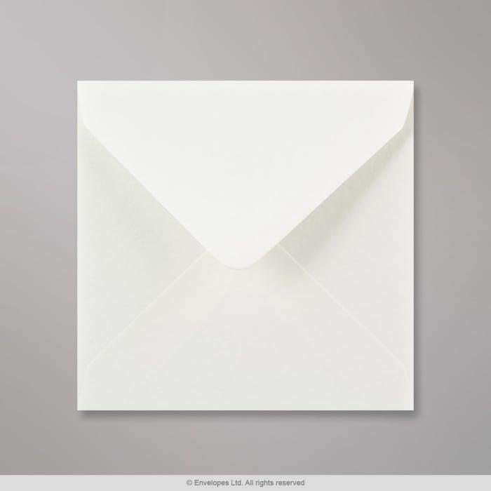 Valkoinen ryppypintainen kirjekuori 130x130 mm