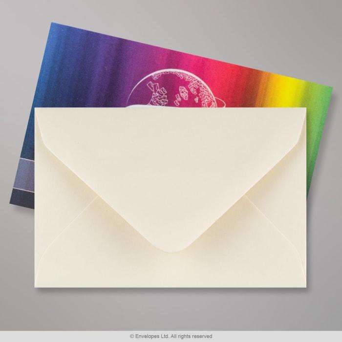 Norsunluunvalkoinen lyhytkuituinen kirjekuori 62x94 mm