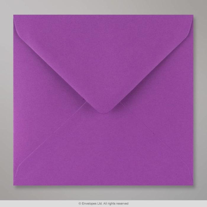 Violetti kirjekuori 155x155 mm