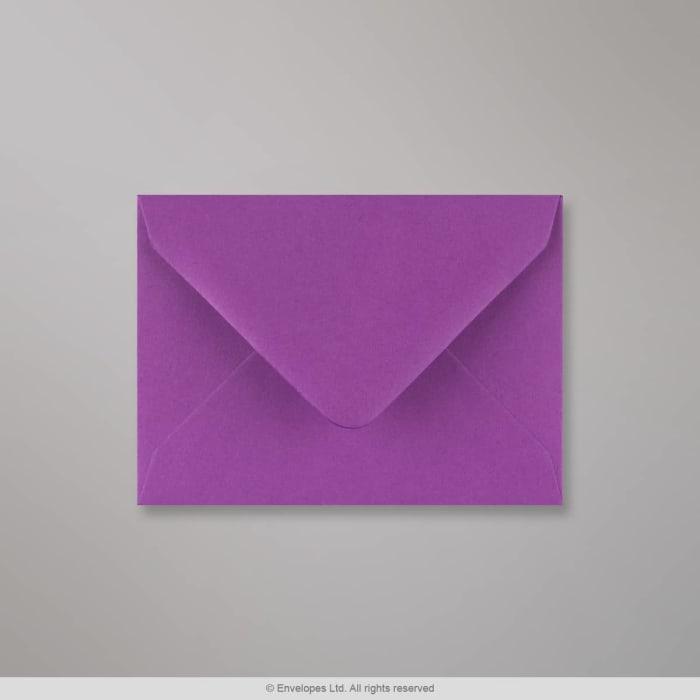 Violetti kirjekuori 82x113 mm (C7)