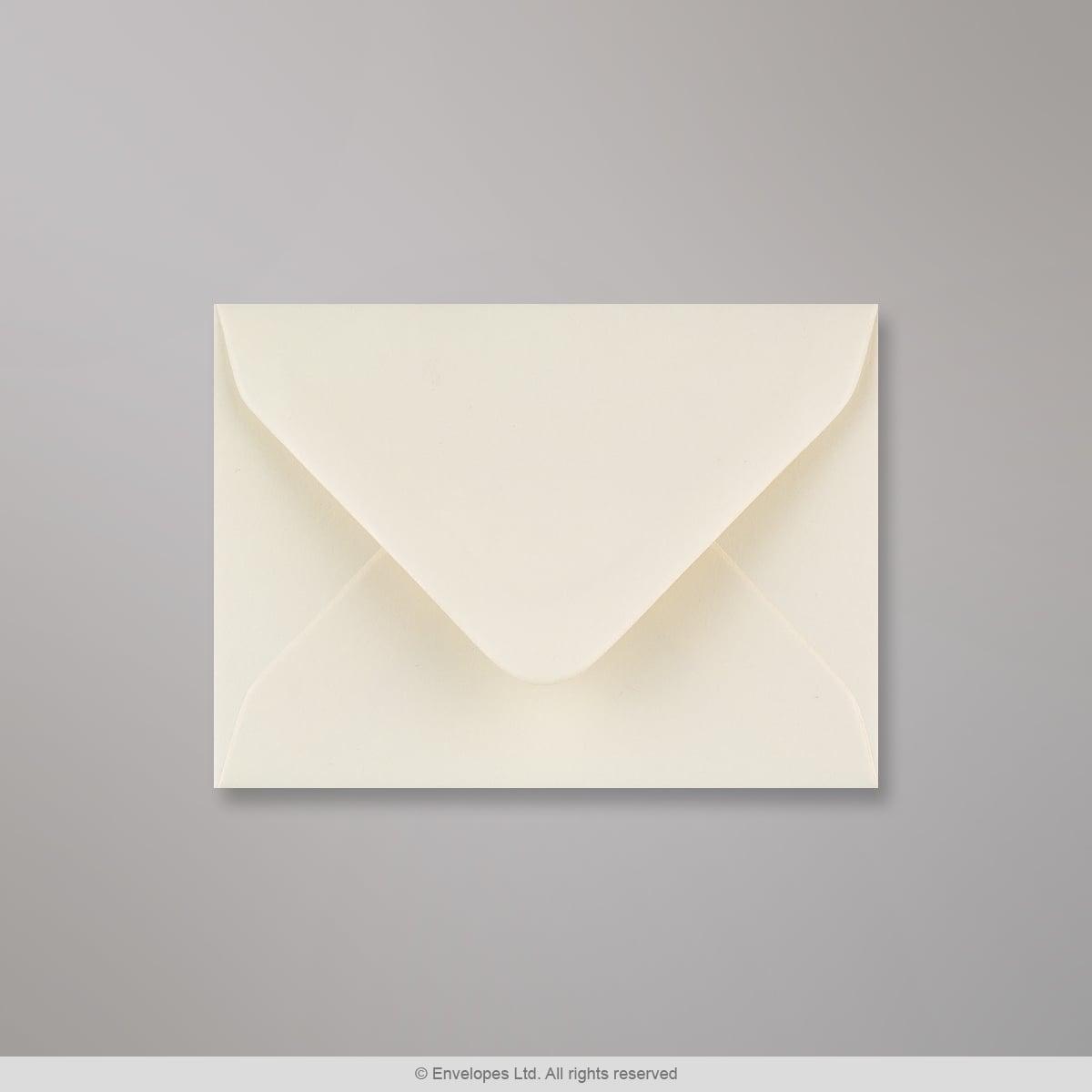 Norsunluunvalkoinen kirjekuori 70x100 mm