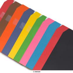 Neliömäiset värilliset kartonkipussit