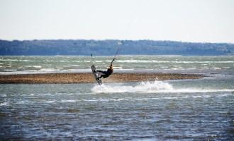 places to go kitesurfing south coast england uk
