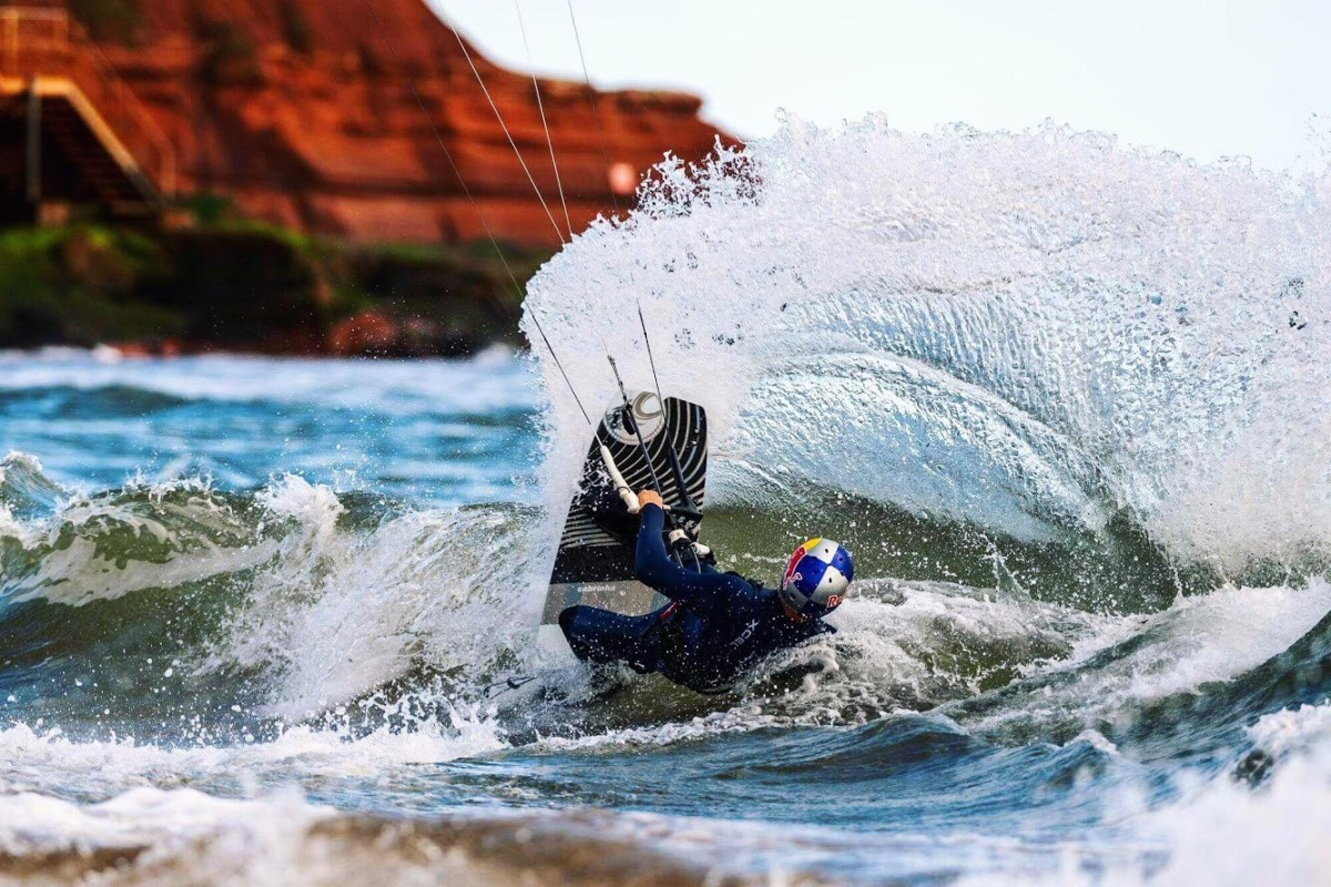 Book now kitesurfing at Edgewatersports