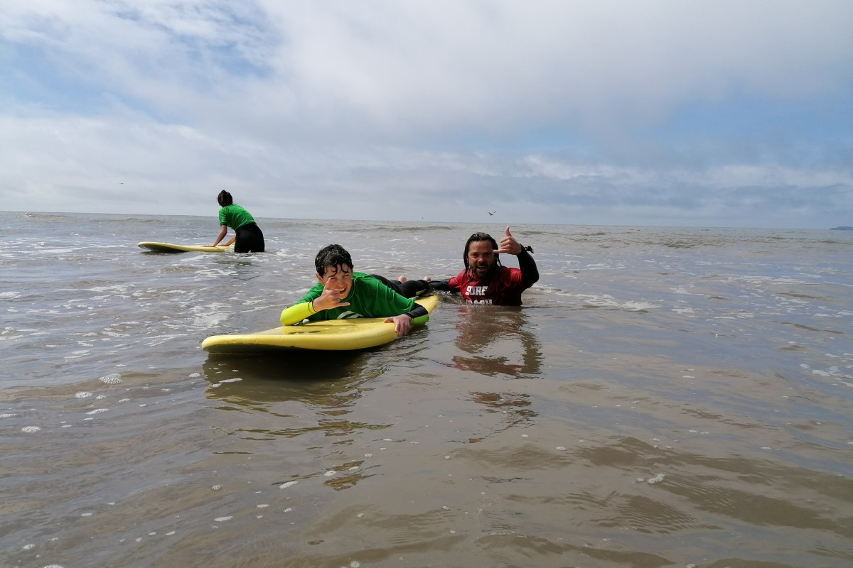Book a surf lesson now at Cresseys