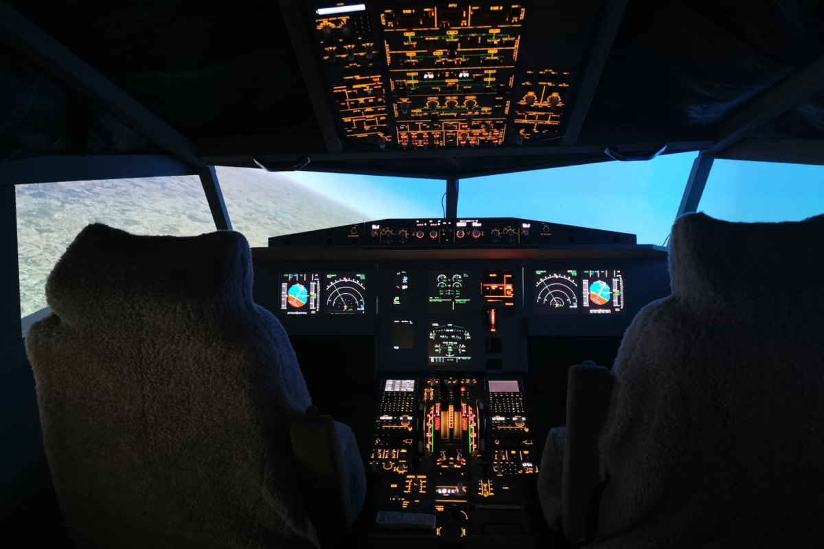 Book a flight experience at the Flight Sim Experience