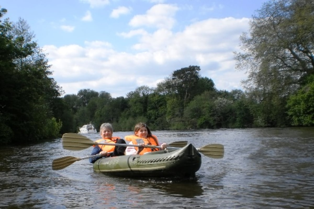Book now kayaking with Thames kayaking and Adventures