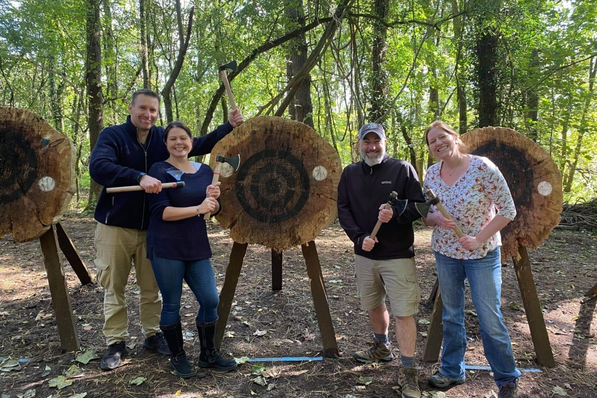 Book now an axe throwing session