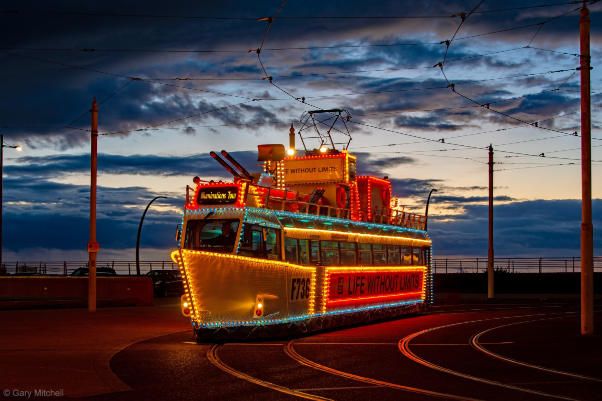 Book now a Heritage Tram Tou