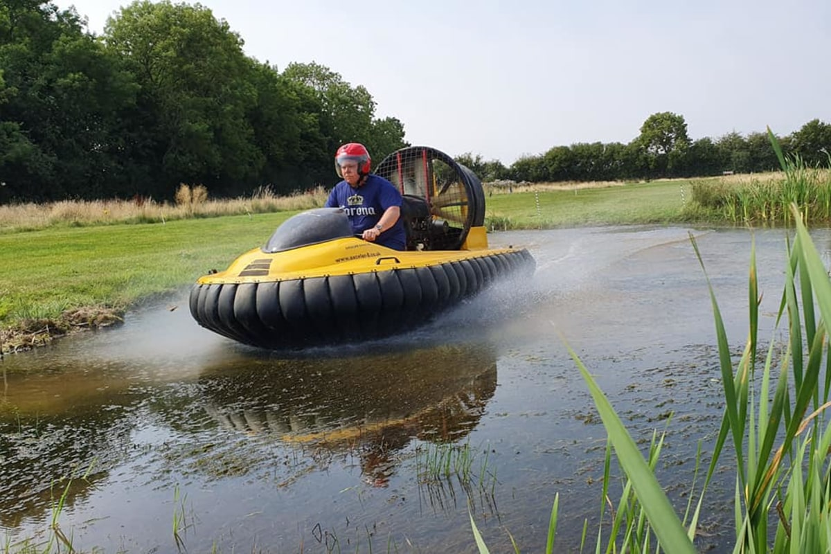 Book now a hovercrafting session