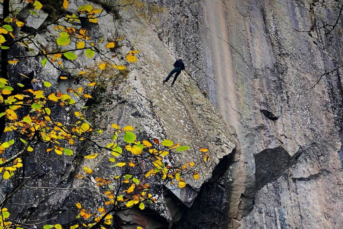 Book now an abseiling session